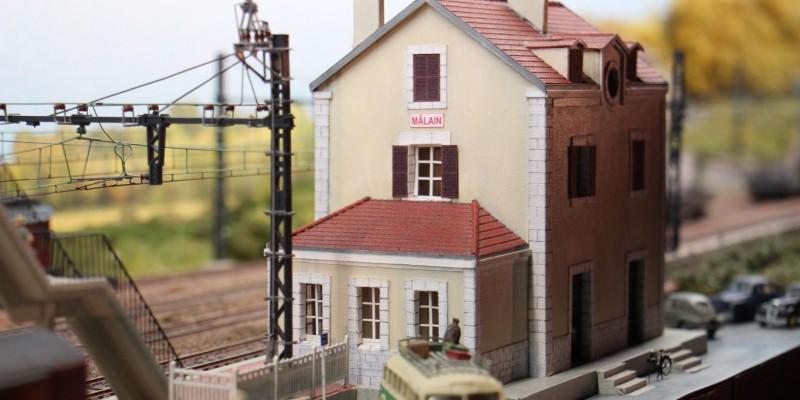Gare-train-miniature-réseau-Malain-catenaire-ho-voie normale (33)