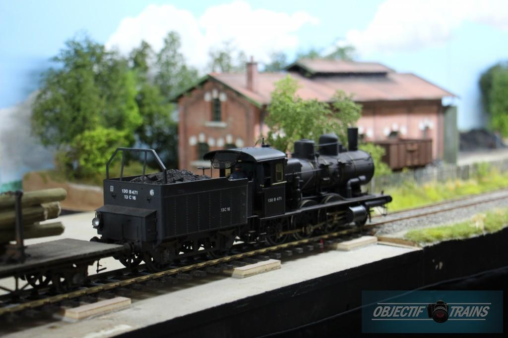 Loco vapeur echelle O à la gare Montcornet
