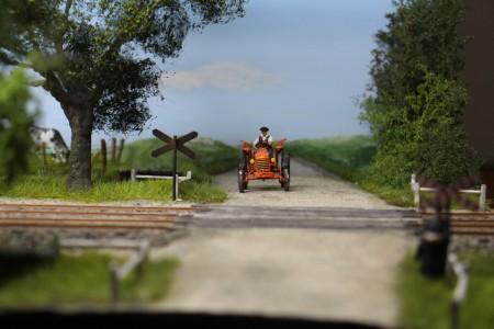 Tracteur au passage à niveau.