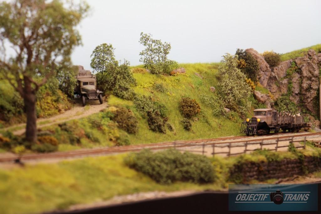 tracteur voie ferrée sur un bout de campagne aux us