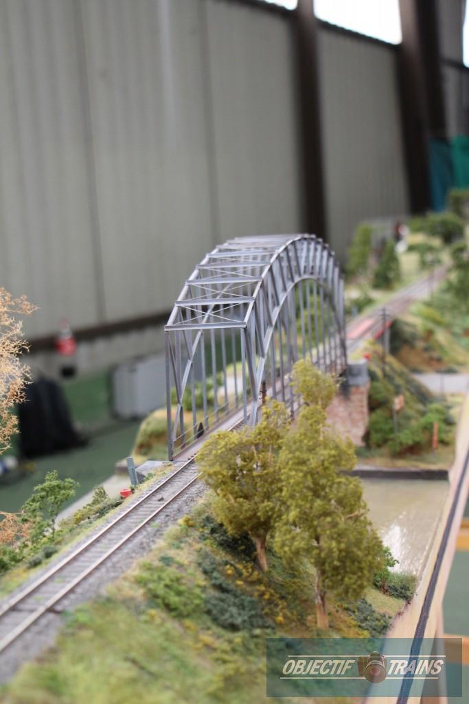 Pont métallique.