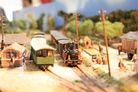 Vapeur arrivant en gare.