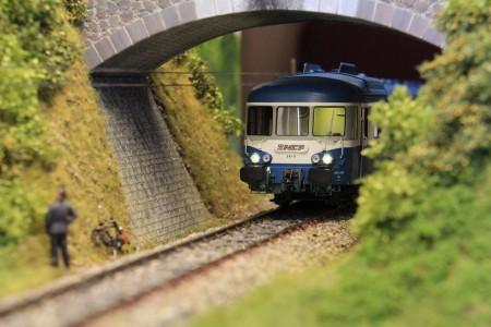 X2800 sous le pont