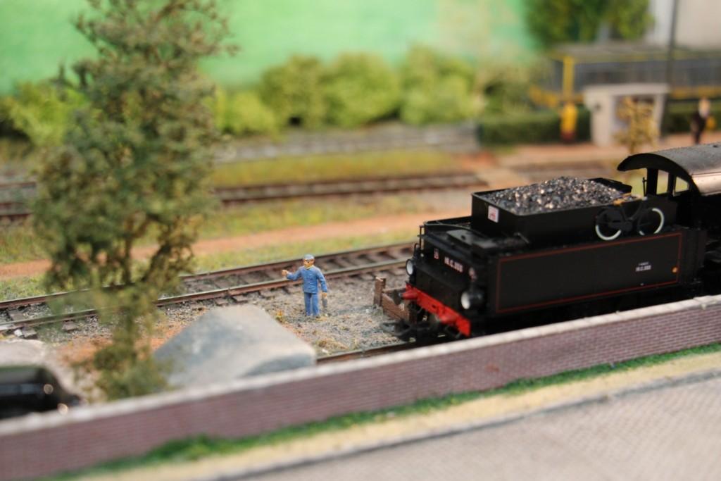 Voie de garage et sa loco vapeur