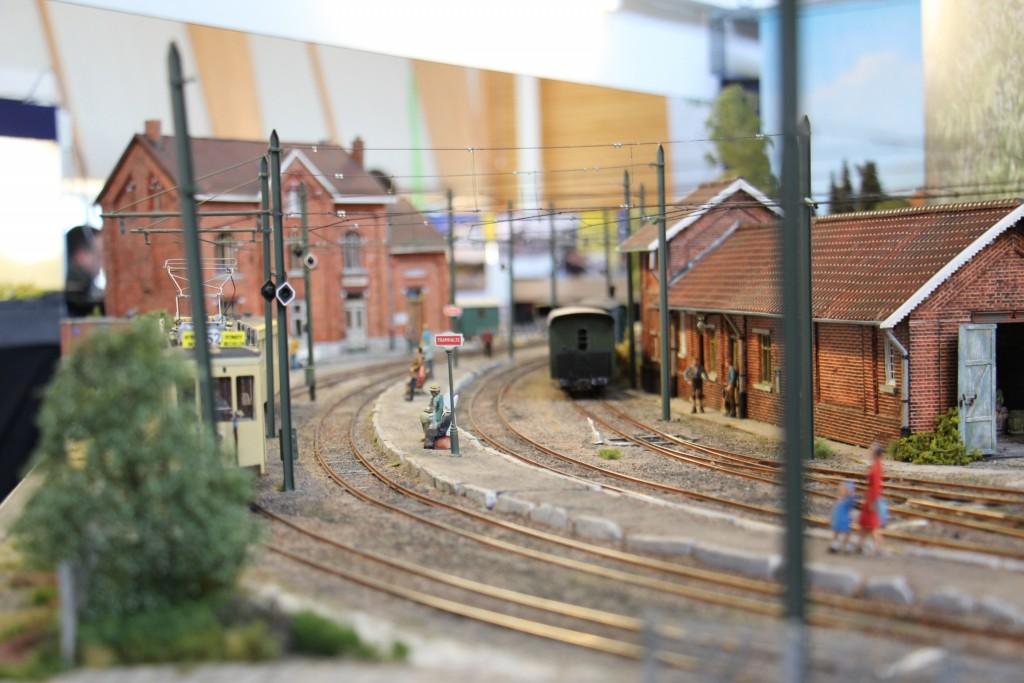 La ligne de tramway en courbe