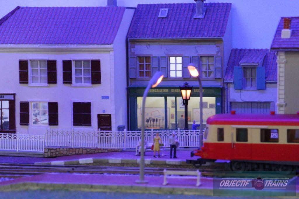 Gare de Tassay la nuit.