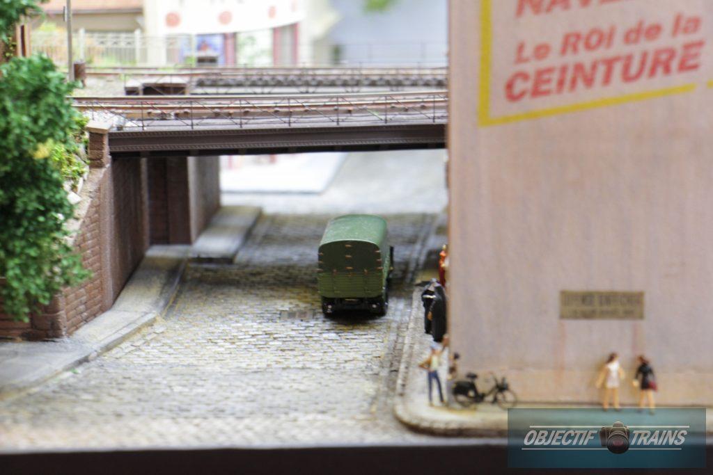 Passage sous le pont metallique.