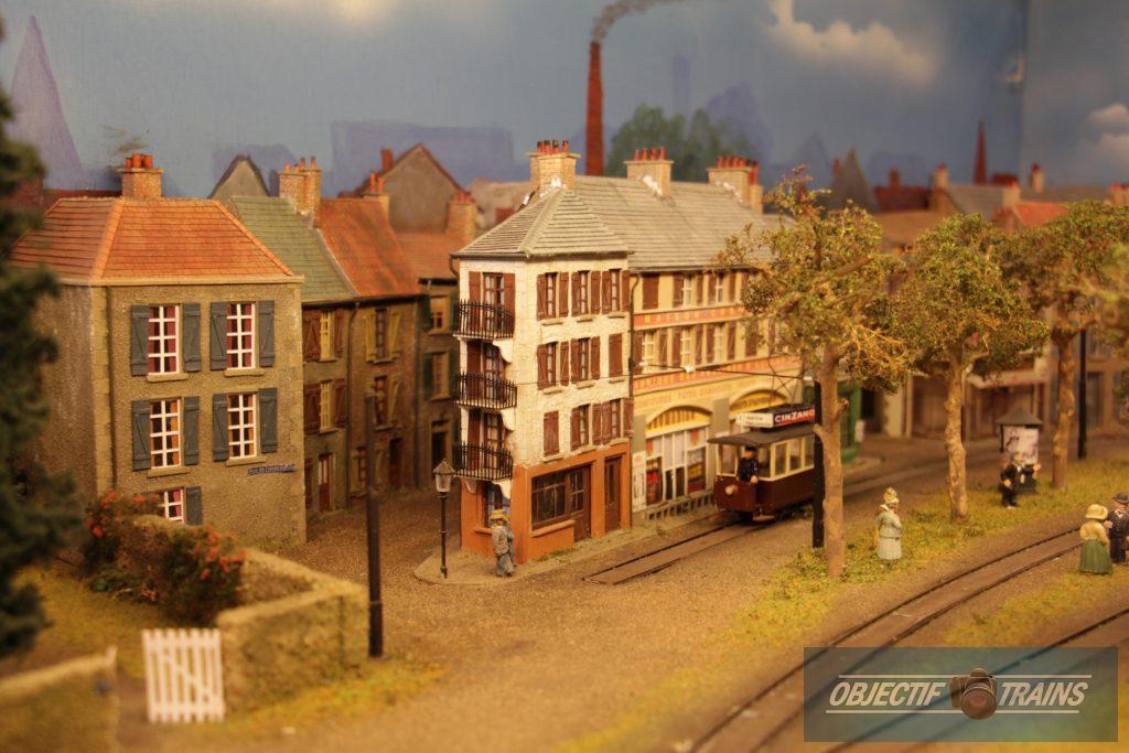La baraque d'Hans Louvet - Le tramway.