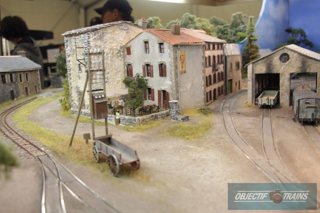 Les rues de la ville ! La baraque d'Hans Louvet.