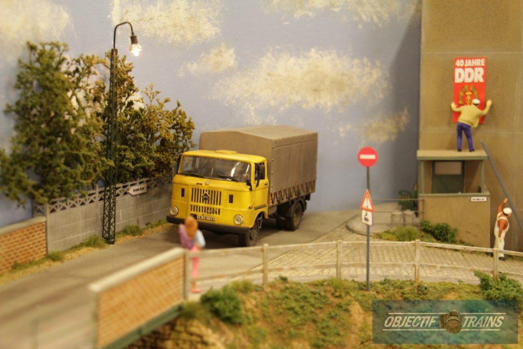 Vieux camion sur le réseau DDR de l'escadrille St Michel