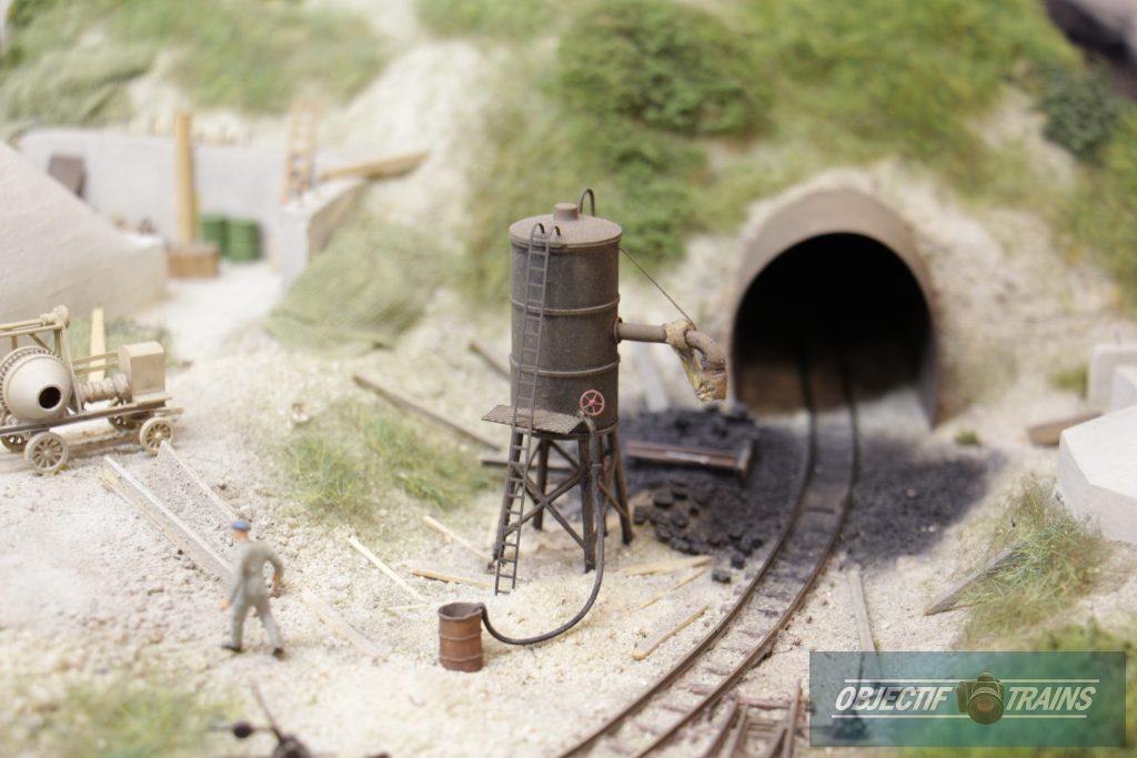 Tunnel et réservoir.