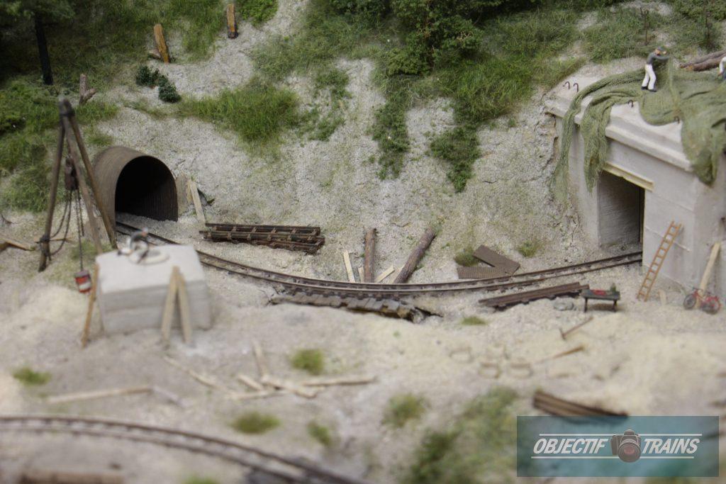 Voie entre 2 tunnels.